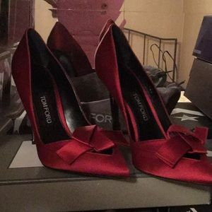 TOM FORD SATIN RED HOT HIGH HEEL PUMPS